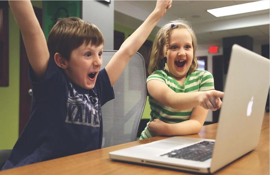 Best Parental Apps to Keep Tabs on Children's Online Activity